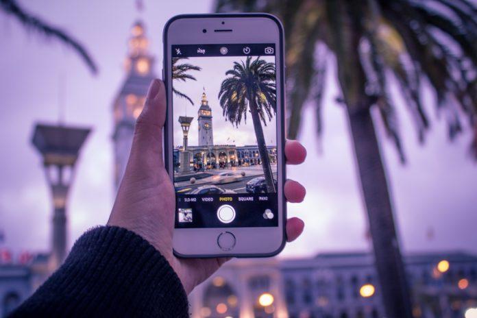 Zewnętrzne obiektywy dla iPhone'a. Rób zdjęcia prawie jak lustrzanką