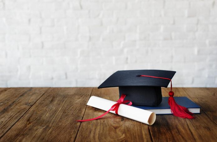 czy warto nagradzać dziecko dyplomem?